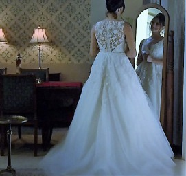 3A09153900000578-3902598-Wedding_bells_Meghan_Markle_in_a_wedding_dress_in_a_scene_from_U-a-2_1478200364874